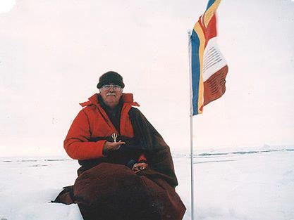 Namgyal_Rinpoche_North_Pole